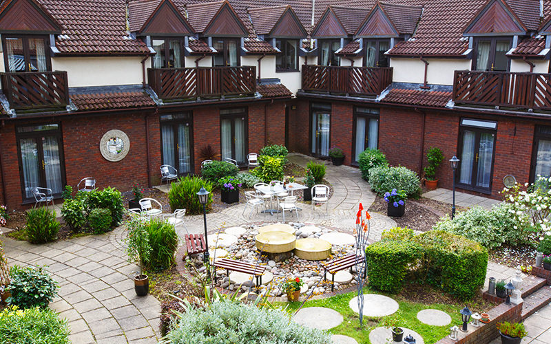The garden and terrace of Brook Kingston Lodge Hotel Garden