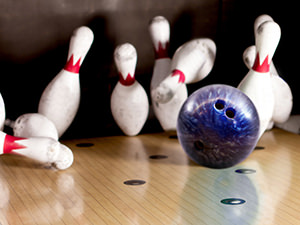 Lane 7 - Bowling, Buffet & Drink