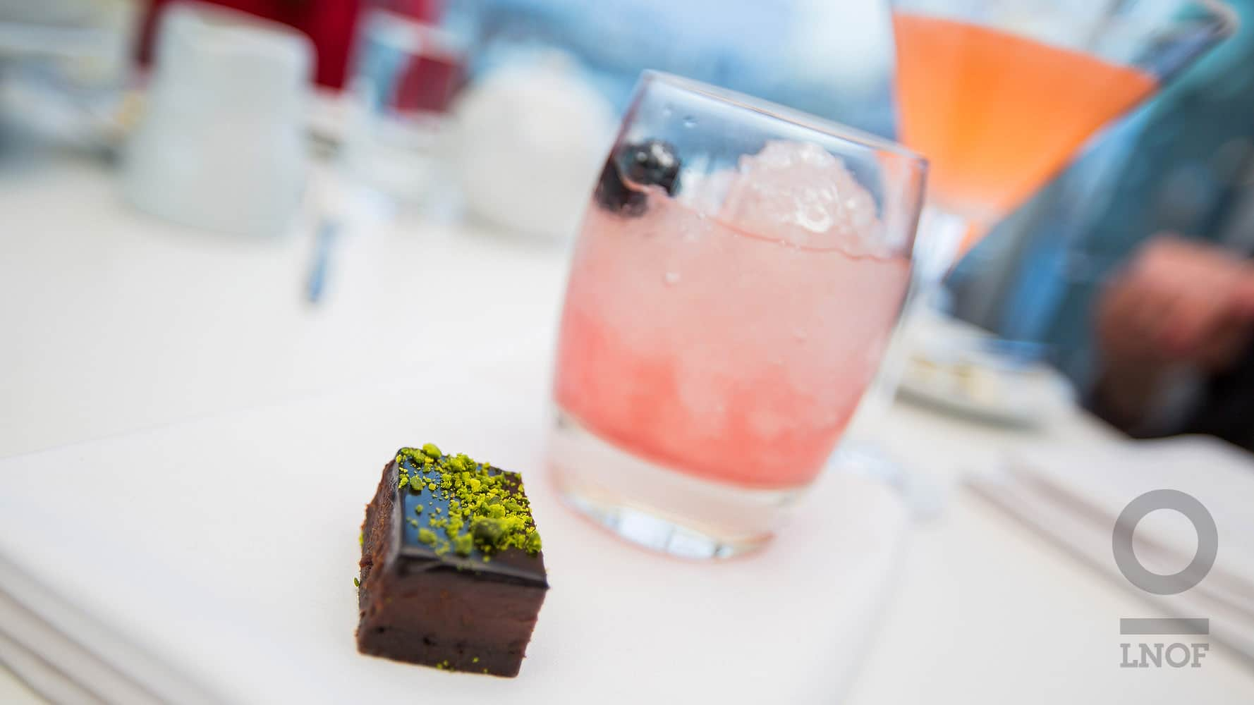 Mini brownie and pink cocktail