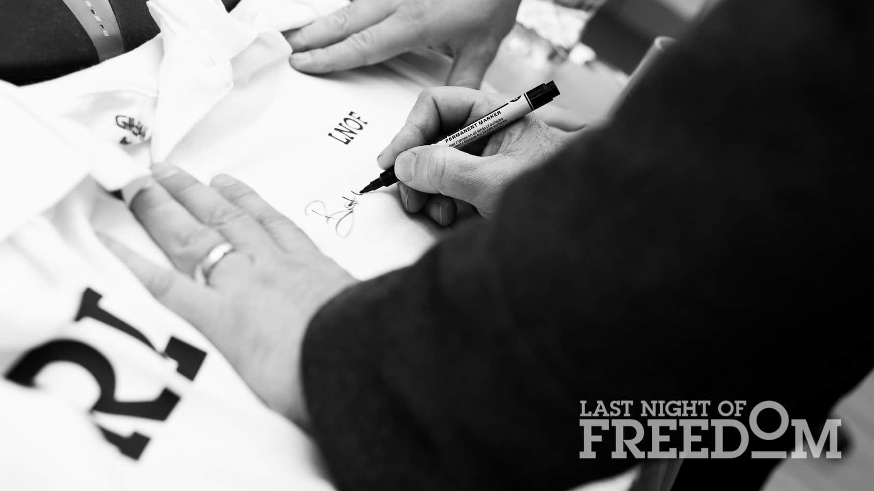 Rob Lee signing LNOF t-shirt