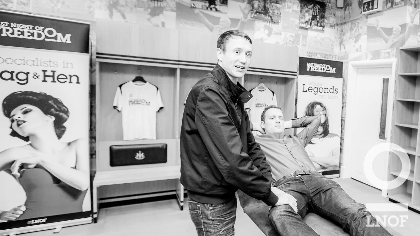 Sean massaging Matt in the NUFC changing rooms