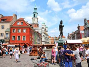 The Stary Rynek, Poznan, filled with people