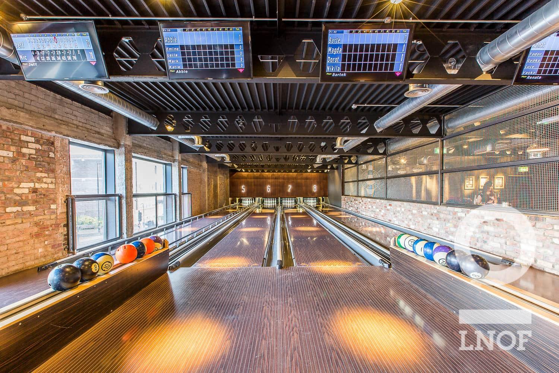 The bowling lanes in Lane7