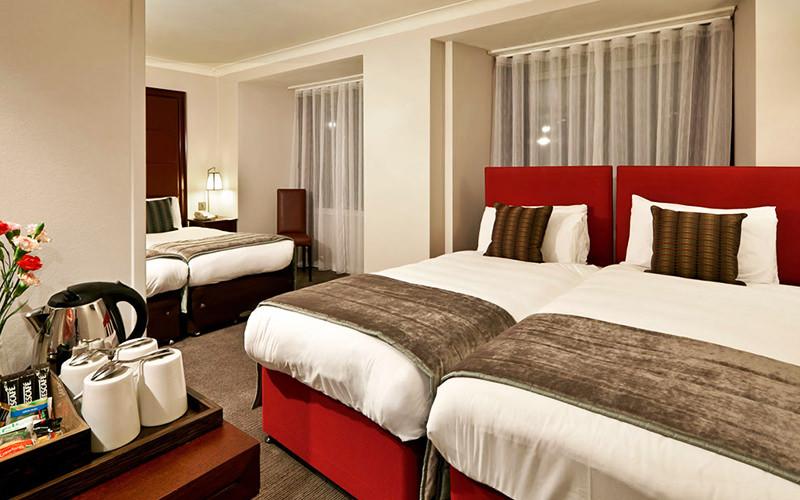 Mercure London Kensington Hotel Bedroom