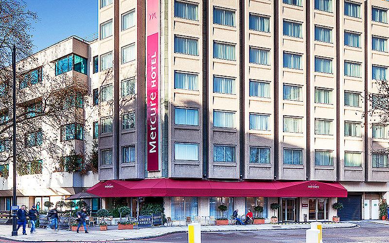 Mercure London Kensington Hotel Reception