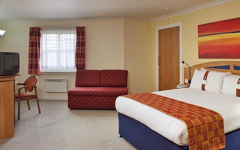 Bedroom at Holiday Inn Express - Hammersmith