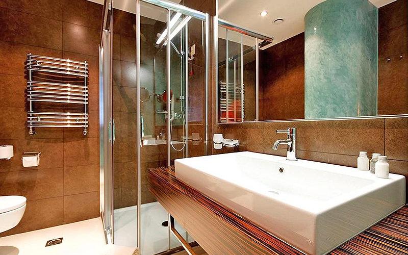 A modern bathroom in Life Design Hotel