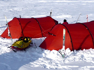 5 night stay in Arctic Accom
