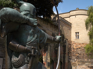 A look at the statue of Robin Hood