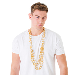 The chain worn with a white T-shirt