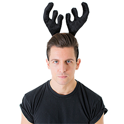A model wearing the antlers