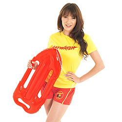 A model holding the item