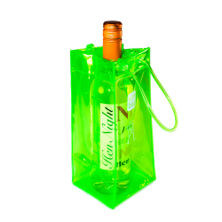 Green waterproof ice bag to keep drinks cool