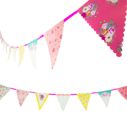 Vintage bunting with flowers