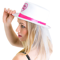 Side view of Model wearing Bride to Be Top Hat with Veil