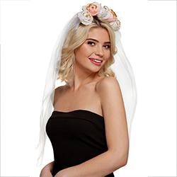 A model wearing the flower headband.