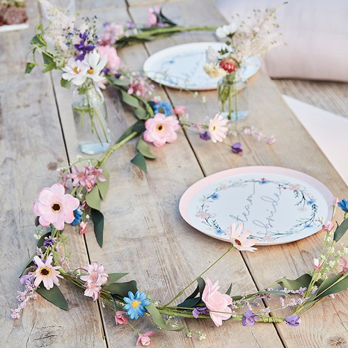The garland decorating a table.