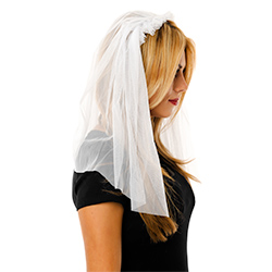Model Side View Of The White Veil With Headband